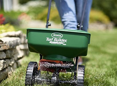 best-fertilizer-spreaders-reviews